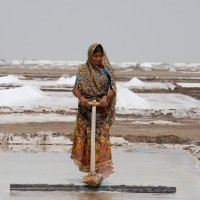 "The Guardian Newspaper Features the Work of the Global Fairness Initiative (photo credit: Sally Painter, ""Farming on the edge: the Indian salt producers coping with 48C heat,"" September 23, 2016)."